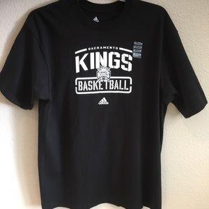 NWOT adidas Sacramento Kings Basketball T Shirt L